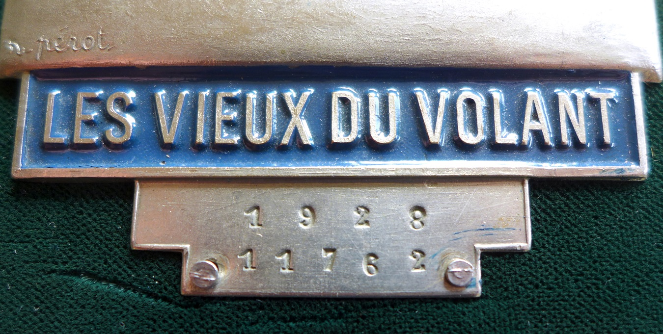 Les Vieus du Volant original vintage auto club badge