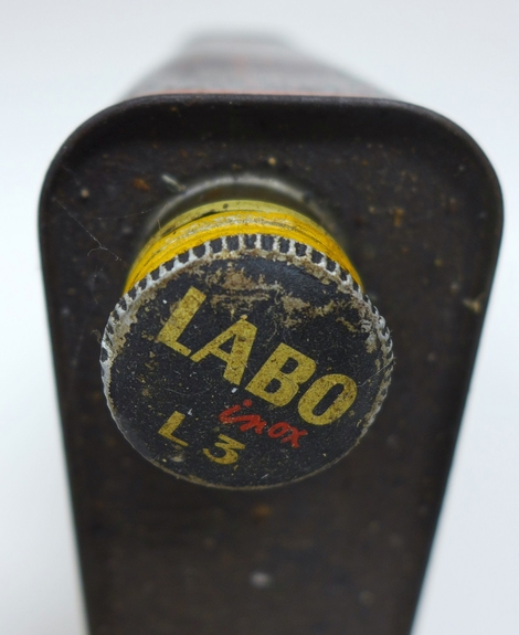 Labo original vintage oil can
